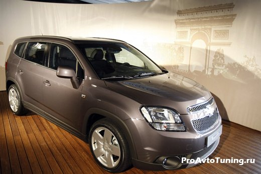 Chevrolet Orlando 7 Paris Motor Show 2010