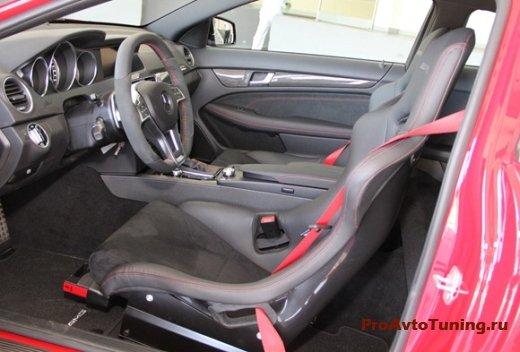 салон Mercedes C63 AMG Coupe Black Series 2012