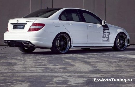 белый Mercedes C63 AMG тюнинг
