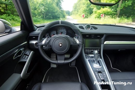 салон Porsche 911 Carrera S Cabriolet