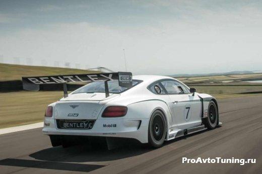 гоночный Bentley Continental GT3