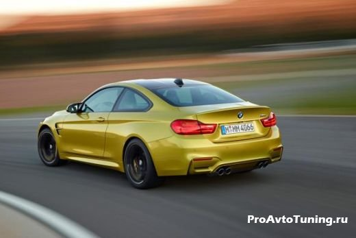 модель BMW M4 Coupe